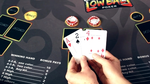 The player is holding an Ace, 2, 4